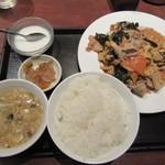 個室Dining 新荘園 - 豚肉とキクラゲの玉子炒め 800円