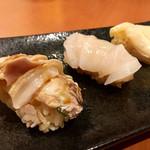 貝料理専門店 磯ばし - お寿司 ♪  左から 煮はまぐり・ほたて・ほっき貝