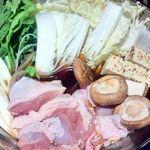 地鶏個室居酒屋 鼓 - 贅沢名古屋コーチンのすき焼きの具を煮ているところ・鶏コース10品4000円(税抜き)