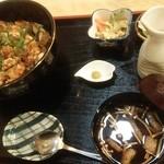 71617743 - まぜ天丼定食                       薬味はわさび                       とっくりにお出汁が入っています