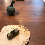 Installation Table ENSO L'asymetrie du calme -