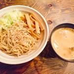 西中島 光龍益 - つけ麺(850円)