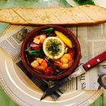 71626940 - 彩り野菜と海老のアヒージョ
