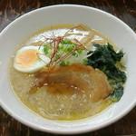 麺屋 龍 & ファミリー - 醤油ラーメン(690円)
