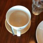 カフェ ルーム ビー -