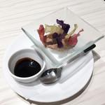 俺のフレンチ YOKOHAMA - 鶏白レバーのムースとカラフルぽてち 380円