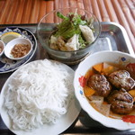 コムゴン - ブンチャーランチ