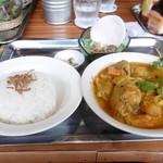 コムゴン - チキンカレーランチ