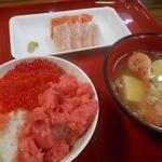 魚菜小売市場 - 朝食