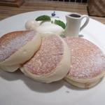 パンケーキ&スイーツ ブラザーズカフェ - スフレパンケーキのアップ