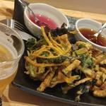 LBK CRAFT - 採れたて新鮮野菜のかき揚げ!! 紫蘇ポン酢と和風天つゆの2種類が楽しめます♡