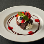OUTDOOR DINING MEER LOUNGE - 豆腐のガトーショコラ