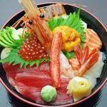 富良野 どんぶり市場 - 料理写真:特上 海鮮丼