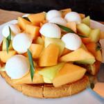 ザ・レストラン by アマン - メロンのタルト@白いのはヨーグルトのムース。メロン甘い