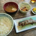 嘉門次小屋 - 岩魚定食