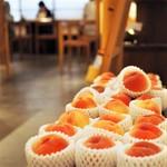 お茶とお菓子まやんち - ピーチメルバになる桃たち