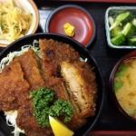 御食事処 成駒 - ソースカツ丼(ヒレ) ¥1150