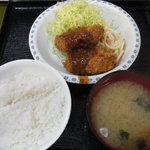 とん平 - コロッケ定食