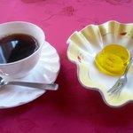 三井倶楽部 - セットのコーヒー&バナナゼリー