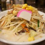 濃厚タンメン三男坊 - 「タンカラ」(900円)、濃厚タンメン+カラアゲ3個