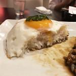 Thai Food Lounge DEE  - ガパオの断層やっヽ(*´∀`)ノ