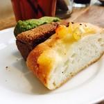 ビストロ&バー タコニョッキ - ビュッフェのパンがうまい!