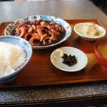 與五郎 - 料理写真:メニューには無い時価のお勧め「小だこの煮付け定食」です(2017.8.17)