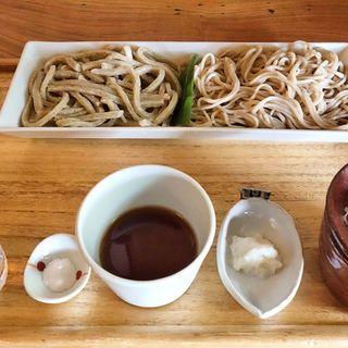 磊庵はぎわら - 料理写真:磊庵はぎわら(水萌え・せいろそばセット 1,850円 ※蕎麦は左が水萌え、右がせいろ  下側、左から順に水萌え用の付け水、塩、つけ汁、辛味大根 一番右がせいろ専用つけ汁と薬味)