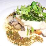 ル・ニ・ド・ファコン - シログチのムニエール 秋の野菜と共に…