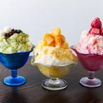 イコイ - 料理写真:カキ氷(伊勢茶、マンゴー、いちご)