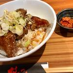 やみつき - 柔らかヒレ丼 1200円+肉増し300円