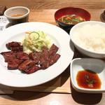 71651820 - 特選牛ステーキ定食  1100円