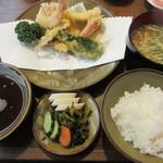 71652543 - 【海老いか天麩羅定食 2000円】