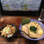 71653372 - 濃魚ラーメンとミニ焼き肉丼('17/08/17)