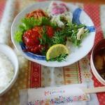 ガーデンカフェ&デリカ キモト - ハンバーグランチは950円でした