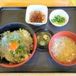 大洗町漁協 かあちゃんの店 - 生しらす丼定食¥900