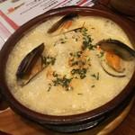 Boqueria - 雲丹と魚介の白アヒージョ