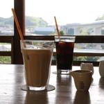 ログ - ドリンク写真:アイスミルクティーとアイスコーヒー