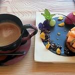 Gallery & Cafe ENSOU - メロンタルトとコーヒー