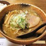 ra-menshuboukumajin - 料理写真:拉麺酒房 熊人(味噌拉麺830円+半ライス100円)