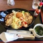 みはらし食堂 - 料理写真:肉そば風タコライス ¥780