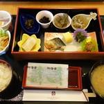 津山鶴山ホテル - 料理写真:和食の朝食