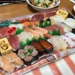 フードプラザ ハヤシ - 料理写真:お寿司盛合せ
