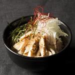 ボローニャ・吉虎 - 炙り鶏チャーシュー丼セット