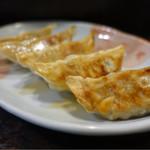 麺菜館 楽屋 - 料理写真:焼餃子¥390-