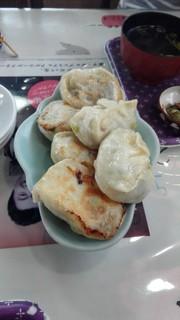 菊正食堂 - 餃子