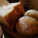 ラ・ベットラ・ダ・オチアイ - フォカッチャ&ごまのパン