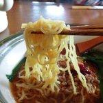 美味家 - 縮れ細麺