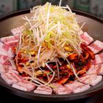 辰家 - フジサン盛りタコボッサム(蛸と豚肉の辛味炒め)