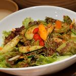 辰家 - 辰家サラダ(韓国風生野菜サラダ)
